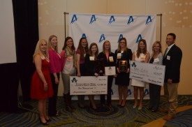 Presentation of scholarships to College Aggies Online winners