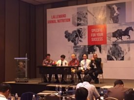 Meeting in Vietnam to discuss about reduction of antibiotics in livestock production